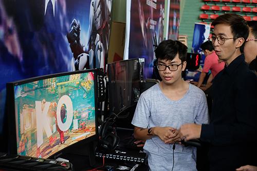 man-hinh-cong-cho-game-thu-gia-28-trieu-dong-1