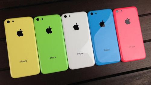 smartphone-dung-nhua-kinh-hay-kim-loai-moi-tot-1