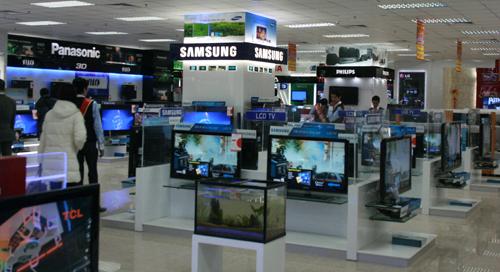 Sự đa dạng của các dòng TV hiện nay khiến người dùng băn khoăn khi lựa chọn.