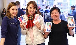 Tim Cook chia sẻ hình ảnh người Việt mua iPhone X