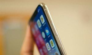 iPhone X dùng chip sóng Qualcomm tốt hơn của Intel