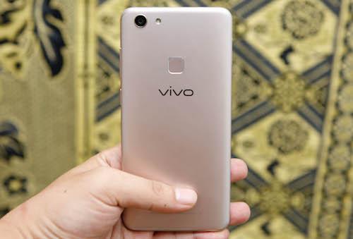 vivo-v7-smartphone-tam-trung-co-nhieu-uu-diem-1