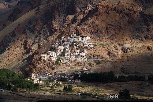 Thung lũng Zanskar- hoang sơ nhưng không kém phần gần gũi.