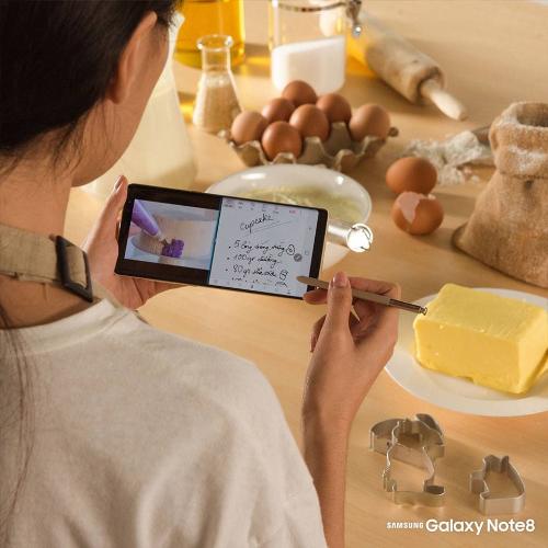 Galaxy Note8 là phụ bếp đắc lực cho các bà nội trợ.