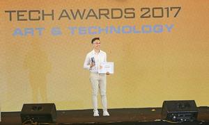 Galaxy J7 Pro nhận giải điện thoại cho giới trẻ tại Tech Awards 2017