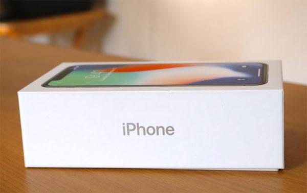 Lượng iPhone X xuất xưởng sụt giảm mạnh
