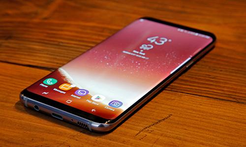Galaxy X màn hình gập hấp dẫn hơn cả Galaxy S9, Note9 có thể được Samsung ra mắt năm nay.