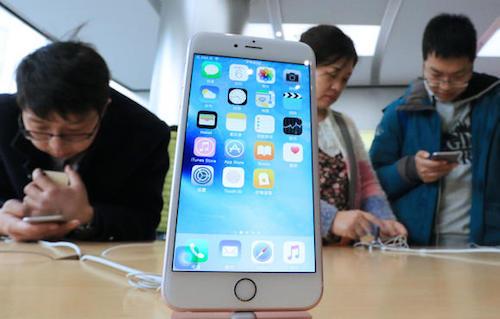 Apple có thể hậu thuẫn công ty Trung Quốc sản xuất chip nhớ để dùng trên iPhone.