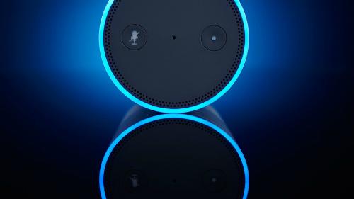 Trợ lý ảo Alexa tự cười khiến người dùng tưởng ma