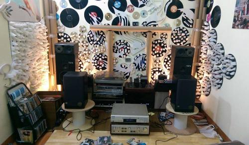 Một phòng nghe với nhiều thiết bị bẫy âm tự chế. Ảnh: Group Đam mê vô tận.
