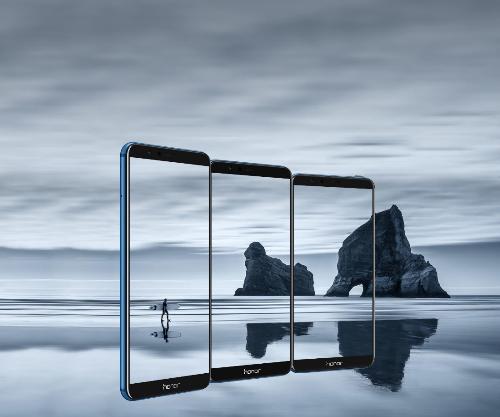 Honor 7X có thiết kế kim loại sang trọng, màn hình tràn viền tinh tế, nổi bật trong phân khúc tầm trung.