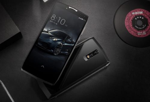 Điện thoại Android có pin dùng 1 tuần, giá 200 USD