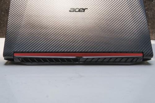 Nitro 5 cũng sở hữu hệ thống wifi hiệu suất cao 2x2 801.11 ac đem lại sự yên tâm cho game thủ như đang gắn cáp mạng.