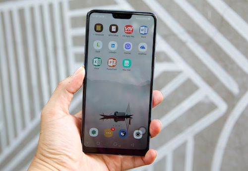 Oppo F7 lợi hại ở AI - 2