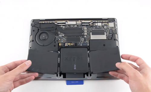 Macbook Pro 13 inch (non Touchbar) sẽ được thay pin miễn phí.