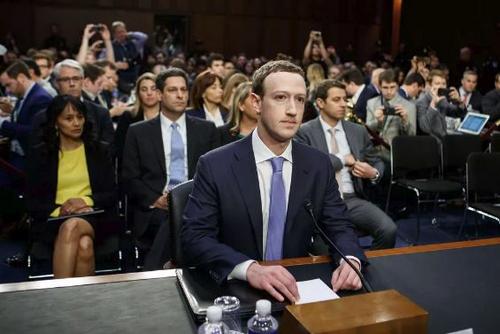 CEO Facebook phải ra điều trần ở Mỹ và châu Âu sau bê bối rò rỉ dữ liệu.