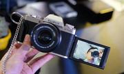 Fujifilm X-T100 - máy ảnh dáng cổ điển cho người mới