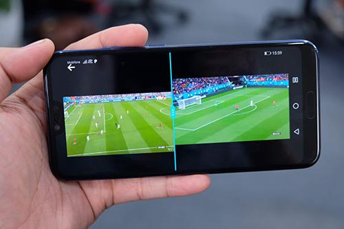 Nhiều smartphone Android hiện hỗ trợ mở song song hai ứng dụng cùng lúc.