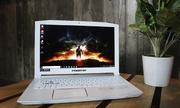 Laptop chơi game màu trắng giá 40 triệu đồng của Acer