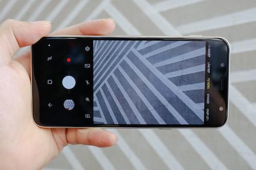Galaxy J6 - smartphone dòng J đầu tiên có màn hình vô cực - 2