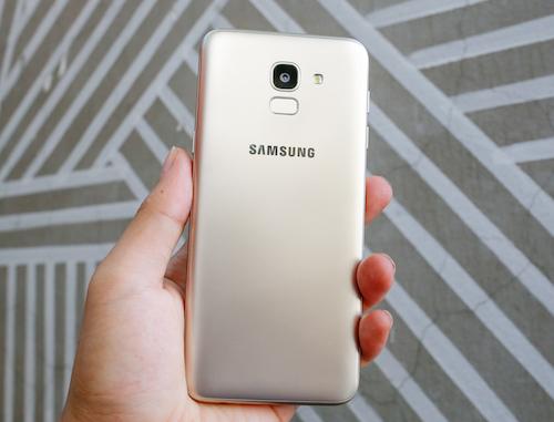 Galaxy J6 - smartphone dòng J đầu tiên có màn hình vô cực - 1