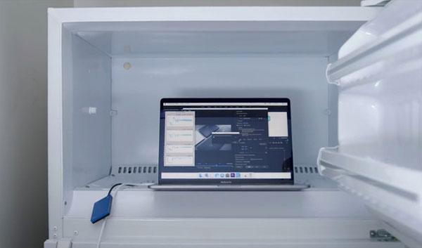 MacBook Pro 2018được đặt vào tủ lạnh vì quá nóng