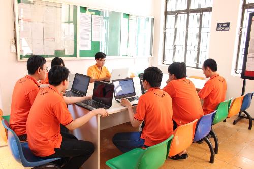 Sinh viên FPT Aptech liên tục được thực hành kỹ năng chuyên môn, đáp ứng yêu cầu làm việc thực tế. (Ảnh: FPT Aptech).