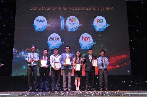 Sự kiện TOP ICT Việt Nam 2018 Hội Tin học Thành Phố Hồ Chí Minh tổ chức thường niên từ năm 1998.