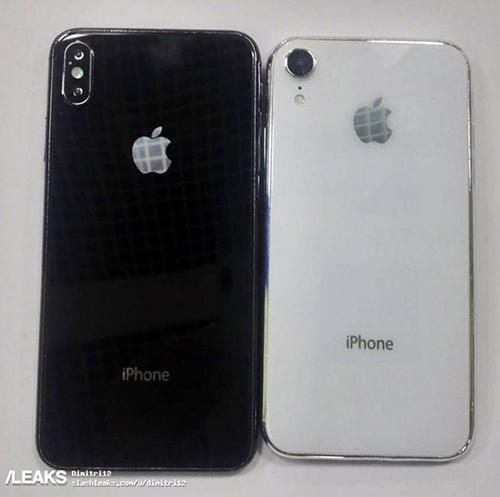 Mặt sau được cholà iPhone X Plus (bên trái) và iPhone 2018.