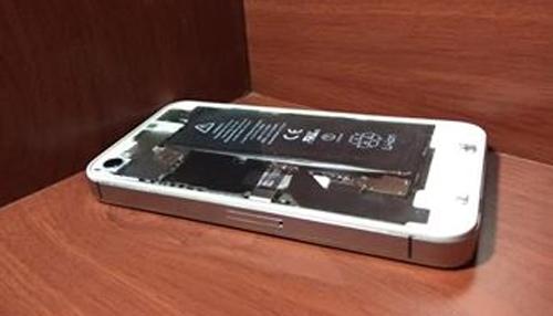 iPhone 4S mặt lưng trong suốt của độc giả Số Hóa - 2