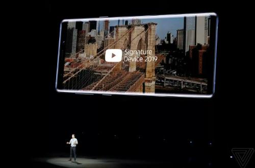 Note9 dẫn đầu danh sách thiết bị xem video trên YouTube tốt nhất. Ảnh: The Verge
