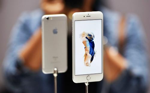 iPhone 6, 6s và 6s Plus là những model đã ra mắt được 3 đến 4 năm nhưng phổ biến ở thị trường xách tay Việt Nam dưới dạng máy qua sử dụng.
