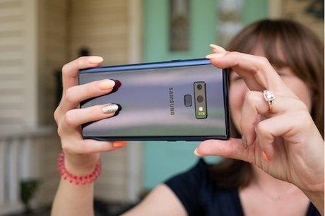 Camera trên Galaxy Note9 được cập nhật phần mềm khi máy sắp bán ra. Ảnh: PhoneArena.