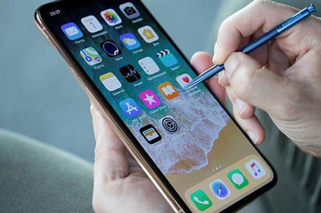 Apple đi sau Samsung trong việc tăng kích thước màn hình và tới đây có thể là bút cảm ứng.