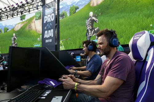 Những điều cần biết về Fortnite - game đỉnh của năm - 1