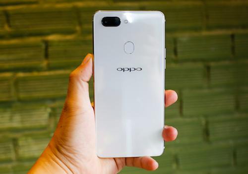 R15 - smartphone màn hình tai thỏ đầu tiên của Oppo - 1