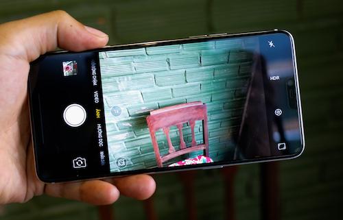 R15 - smartphone màn hình tai thỏ đầu tiên của Oppo - 2