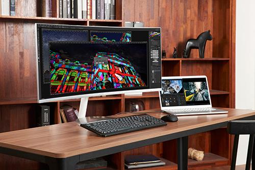 Samsung CJ79 là một trong số ít màn hình máy tính đang hỗ trợ Thunderbolt 3.