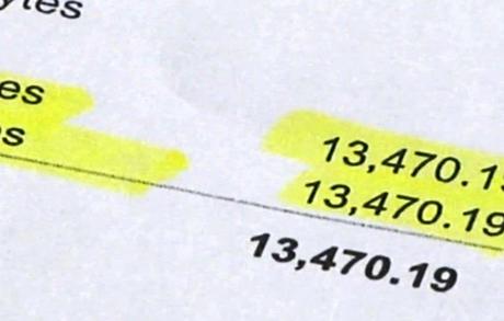 Hóa đơn tiền điện thoại hơn 13.000 USD của gia đình Chung.