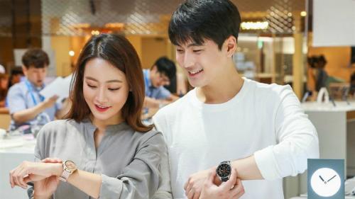 Samsung đã bắt đầu bán ra Galaxy Watch tại Hàn Quốc cuối tuần trước.