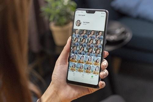 Tính năng AI Album giúp bạn tìm kiếm hình ảnh nhanh chóng, dễ dàng.