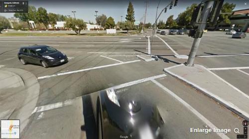 Hình ảnh từ Google Street View cũng đã ghi lại được hình ảnh vụ tai nạn, với góc nhìn từ đuôi chiếc Lexus.