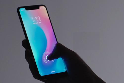 Xiaomi Mi 8 Explorer Edition thiết kế giống iPhone X nhưng có cảm biến vân tay dưới màn hình.