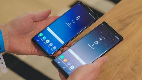Galaxy S9 và Note9 đều phải sử dụng cảm biến vân tay nằm ở mặt lưng vì màn hình vô cực.
