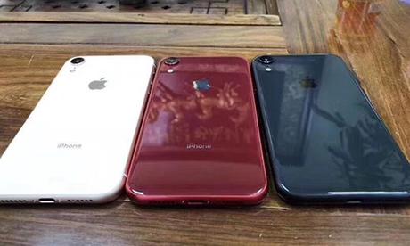 Thiết kế của iPhone 9 khá giống iPhone 8 với mặt lưng bằng kính, camera đơn.
