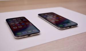 Ảnh thực tế Phone Xs Max hai sim, màn hình 'khổng lồ'
