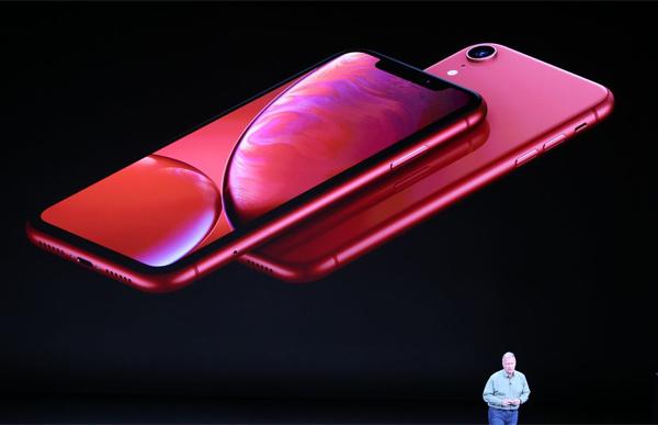 iPhone Xr sử dụng màn hình LCD.