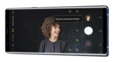 Giao diện chụp ảnh tối ưu trải nghiệm người dùng của Samsung Galaxy Note9. Máy gửi thông báo khi ống kính bám mờ hoặc điều kiện ánh sáng khó cho ra ảnh chất lượng.