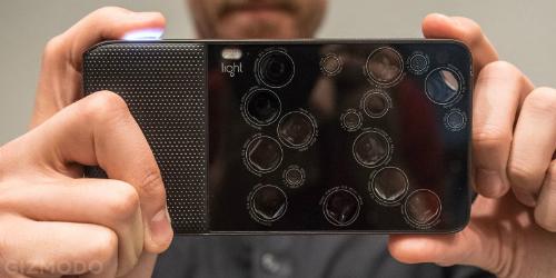 Smartphone Light 16 với 16 ống kính máy ảnh.