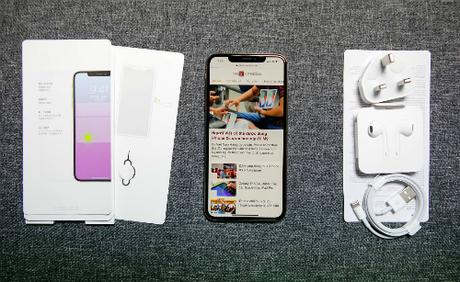 Mẫu iPhone Xs Max 512 GB xuất hiện ở Việt Nam từ đêm 20/9, trước giờ Apple mở bán trên thế giới.